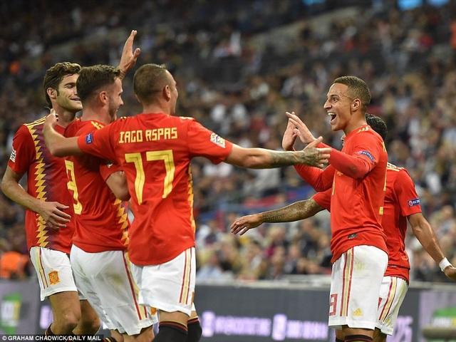Tây Ban Nha đã chơi sắc sảo và không ngoan hơn tuyển Anh