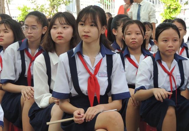 Sở GD-ĐT yêu cầu nhà trường không được bắt buộc phụ huynh phải mua đồng phục tại một nơi quy định (Ảnh mang tính minh họa)