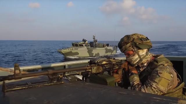 Lính thủy đánh bộ Nga tập trận tại Địa Trung Hải (Ảnh: RT)