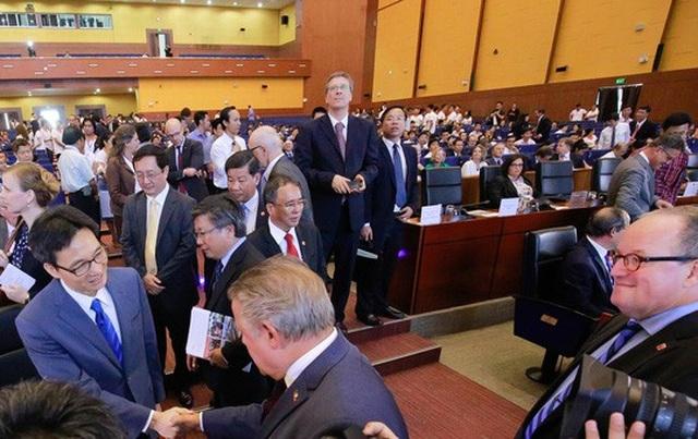 Phó Thủ tướng Vũ Đức Đam đến dự lễ kỷ niệm