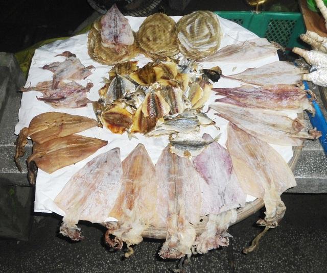 Cá rim, mực nướng