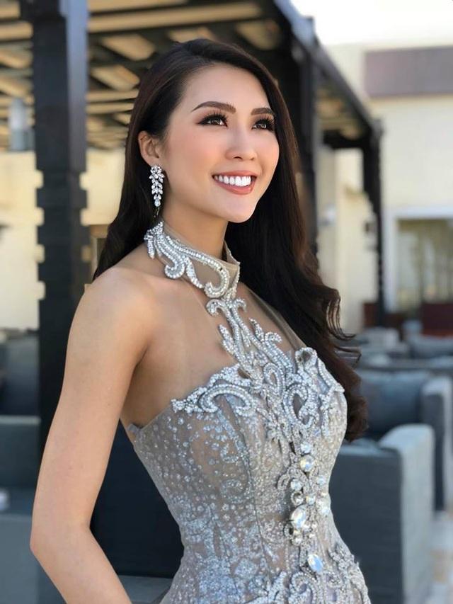 Đại diện Việt Nam đang từng bước tạo ấn tượng khi luôn xuất hiện với hình ảnh rạng ngời xinh đẹp tại Ai Cập. Chia sẻ với các fan tại quê nhà, người đẹp cho biết những ngày qua cô gần như quay cuồng với lịch hoạt động dày đặc.