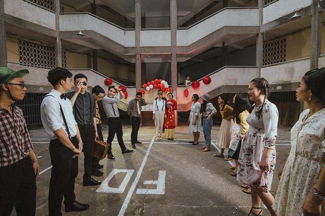 Thiệp mời đúng kiểu đám cưới xưa cũ, đây có lẽ sẽ trở thành những kỷ niệm đẹp, không dễ phai nhòa của các bạn sinh viên năm cuối.