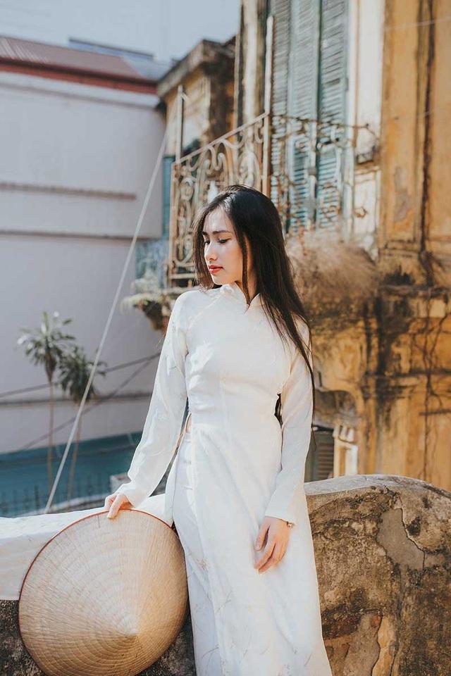 Nữ sinh dịu dàng với sắc trắng áo dài ngóng Xuân sang - 9