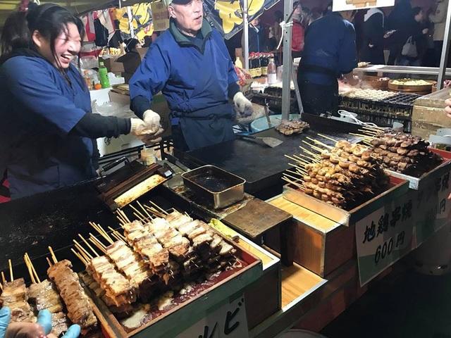 Và không quên thưởng thức ẩm thực đêm ở Asakusa.