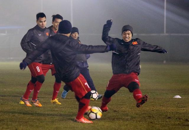 U23 Việt Nam khốn khổ vì sân tập trước trận gặp U23 Syria - 9