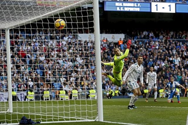 C.Ronaldo để lại dấu ấn với hai bàn thắng ở cuối trận đấu