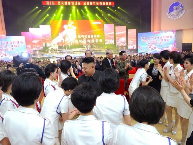 Nhà lãnh đạo Triều Tiên Kim Jong-un được cho là đã đích thân chọn thành viên cho nhóm nhạc này. (Ảnh: KCNA)