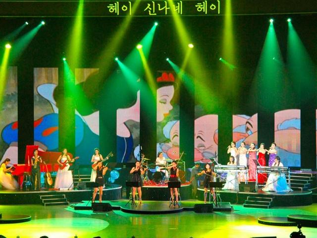 Ban nhạc này cũng tham gia lưu diễn ở nước ngoài như Trung Quốc, song chưa từng có chuyến lưu diễn nào ở phương Tây. (Ảnh: Reuters)