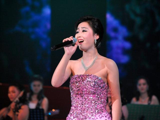 Moranbong được biết đến với các bài hát tuyên truyền cho chính quyền Bình Nhưỡng, cũng như các bản nhạc pop của phương Tây. (Ảnh: KCNA)