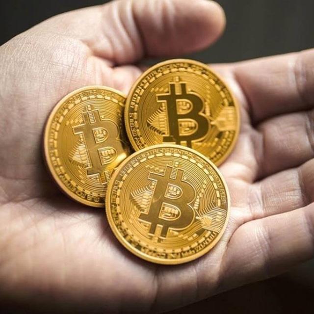 Mỗi đồng xu Bitcoin có giá bán lẻ từ 80.000 - 150.000 đồng.