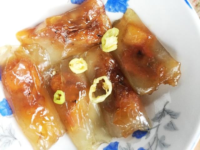 Bánh lọc nhân tôm với 5 cái giá 5000 đồng tại Huế