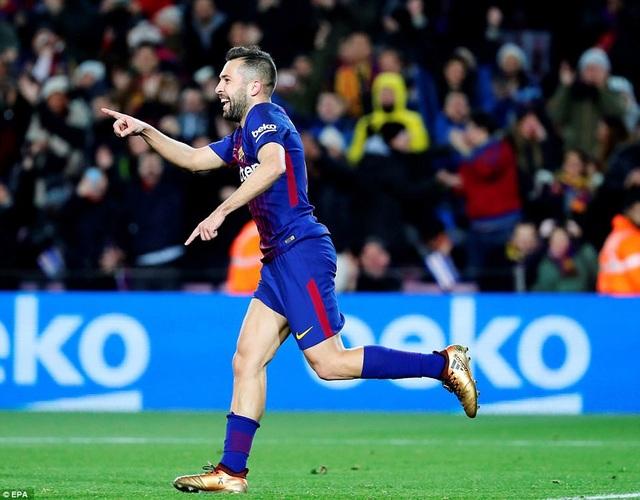 Jordi Alba cũng tỏa sáng với bàn thắng nâng tỷ số lên 3-0 ở phút 28