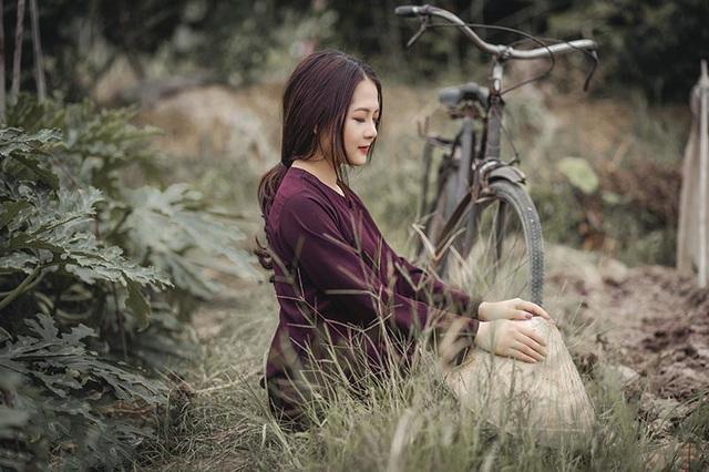 Đặc biệt hơn bộ ảnh được chụp ở cánh đồng gần cầu Nhật Tân (Hà Nội).