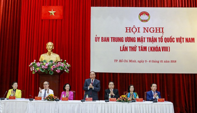 Thủ tướng Nguyễn Xuân Phúc và nhiều lãnh đạo cao cấp của Đảng, Chính phủ tham dự hội nghị (ảnh: Quang Vinh)