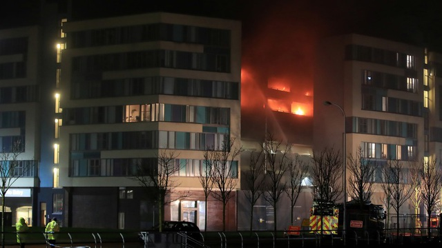 Vụ hỏa hoạn được cho là bắt nguồn từ tầng 3 của khu đỗ xe. (Ảnh: RT)
