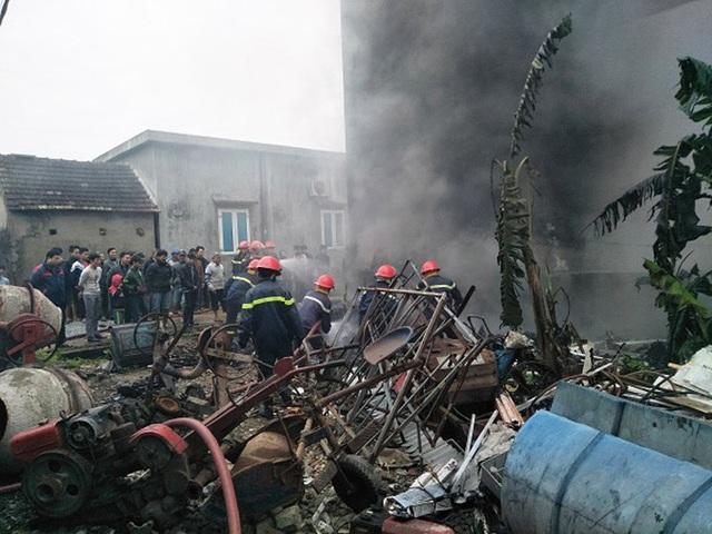 Nhờ nỗ lực của lực lượng phòng cháy, chữa cháy nên ngọn lửa đã được khống chế sau khi bùng phát khoảng 30 phút.