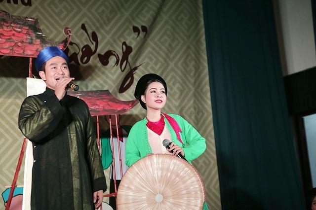Một trích đoạn trong vở chèo kinh điển Lưu Bình – Dương Lễ, khi Lưu Bình gặp Châu Long được 2 bạn trẻ thể hiện đầy tình cảm