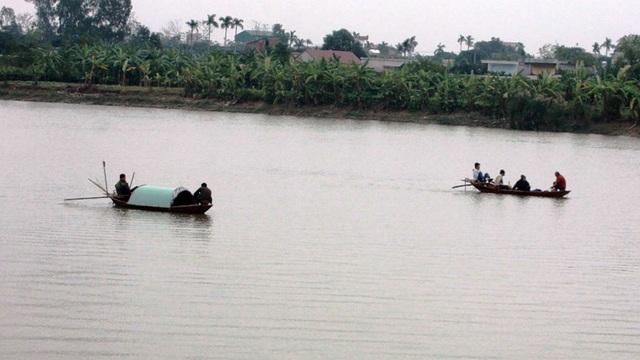 Các thuyền đang tích cực tìm kiếm nạn nhân
