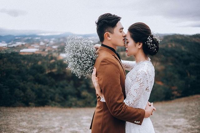Đến nay họ đã bên nhau hơn 3 năm và quyết định sẽ về chung một nhà. Trước thời gian tổ chức hôn lễ vì chân Văn Duy chưa phục hồi nhưng anh chàng vẫn cố gắng để đi chụp hình kỷ niệm trước khi cưới, đây có lẽ sẽ là kỷ niệm đáng nhớ với họ.