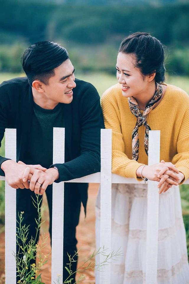 """Họ quen nhau trên một chuyến xe từ Đăk Lăk đến Sài Gòn và đến giờ cả hai vẫn hạnh phúc khi nghĩ đến """"chuyến xe định mệnh"""" ngày hôm ấy."""