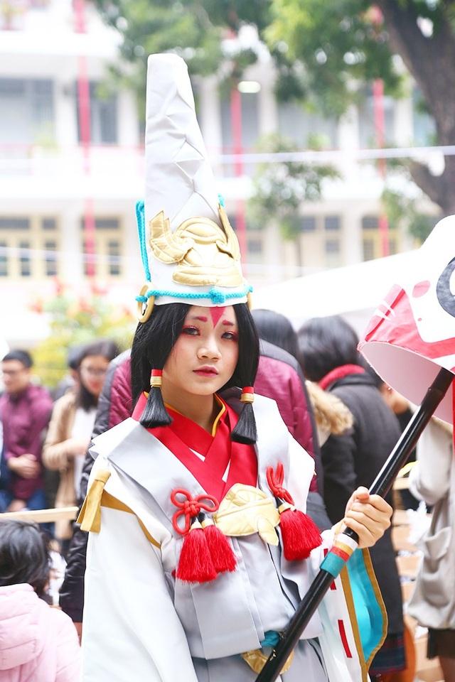 Một cô gái xinh xắn trong trang phục Bạch đồng tử - game Âm dương sư
