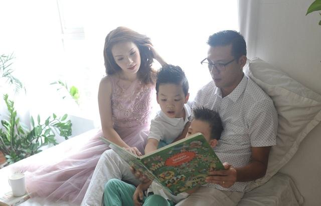 Gia đình hạnh phúc của Đan Lê và Khải Anh.
