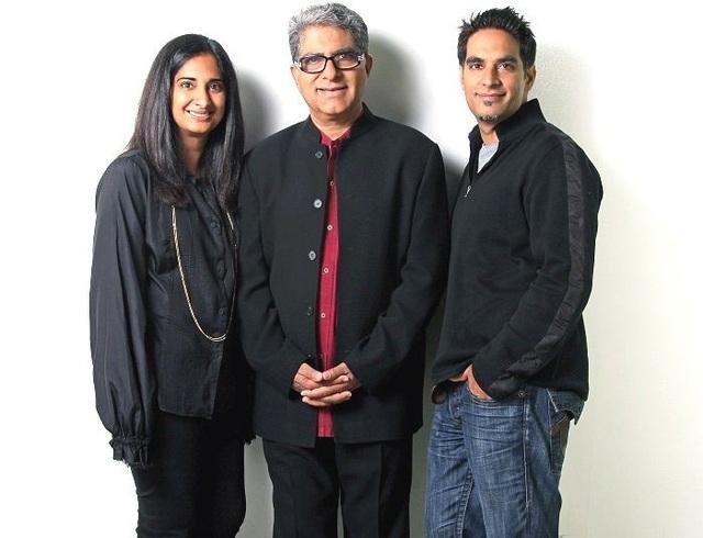 Bác sĩ Deepak Chopra (giữa) và con trai Gotham Chopra (hiện là tác giả, nhà làm phim, doanh nhân) cùng con gái Mallika Chopra (hiện là tác giả, doanh nhân).