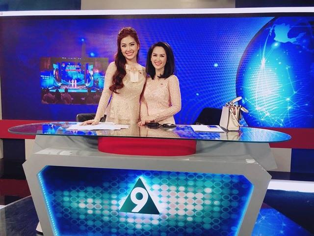 Diễm Trang trong số đầu tiên lên sóng trực tiếp, dẫn cặp cùng BTV Thúy Hằng.