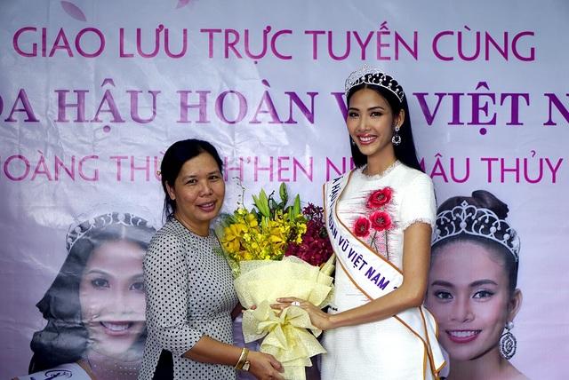 Top 3 người đẹp Hoàn vũ Việt Nam bật mí nhiều điều thú vị cùng độc giả Dân trí - 5