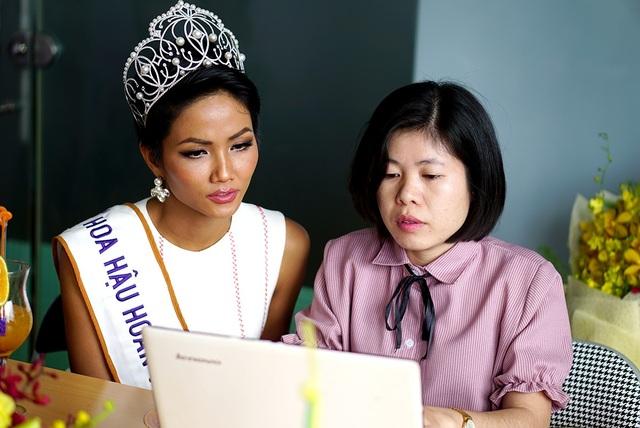 Top 3 người đẹp Hoàn vũ Việt Nam bật mí nhiều điều thú vị cùng độc giả Dân trí - 2