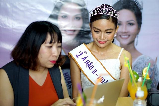 Top 3 người đẹp Hoàn vũ Việt Nam bật mí nhiều điều thú vị cùng độc giả Dân trí - 3