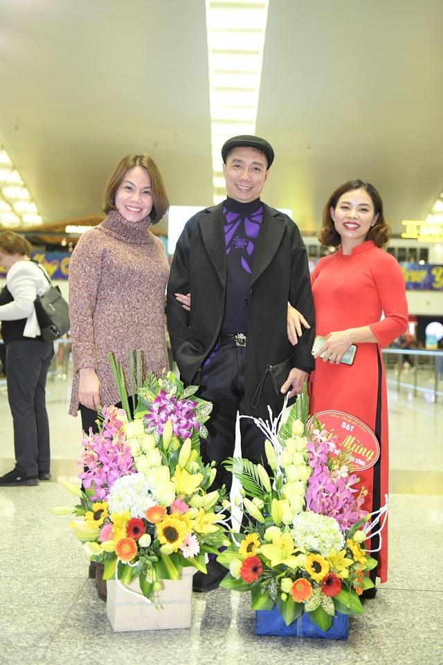 NTK Đỗ Trịnh Hoài Nam (giữa)