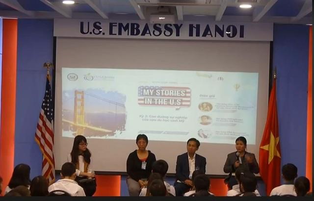 Diễn giả Nguyễn Thu Thảo (người đầu tiên bên phải) – tốt nghiệp thạc sĩ tại American University Washington D.C.