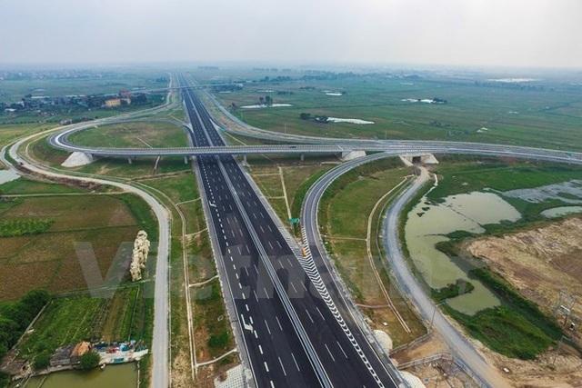 Lãnh đạo Chính phủ yêu cầu triển khai xây dựng đường cao tốc Bắc - Nam để năm 2021 phải hoàn thành dự án.