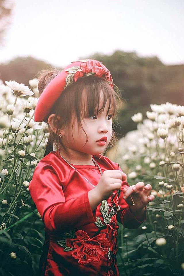 """Bộ ảnh """"không thể không yêu"""" của bé gái 3 tuổi Nghệ An - 11"""