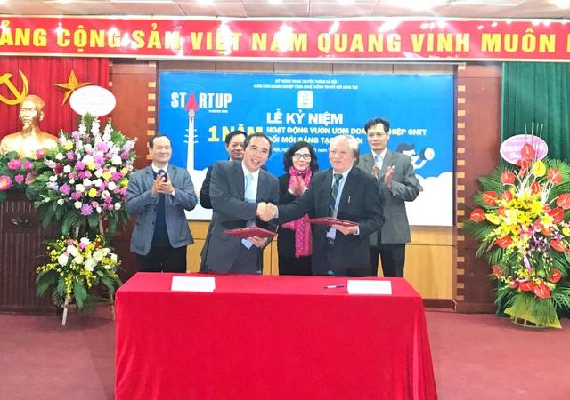 Ký kết hợp tác giữa Vườm ươm Doanh nghiệp Công nghệ thông tin với Hội truyền thông TP. Hà Nội.