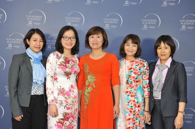 5 nhà nữ khoa học xuất sắc Việt Nam năm 2017 được Hội đồng khoa học L'Oreal – UNESCO bình chọn