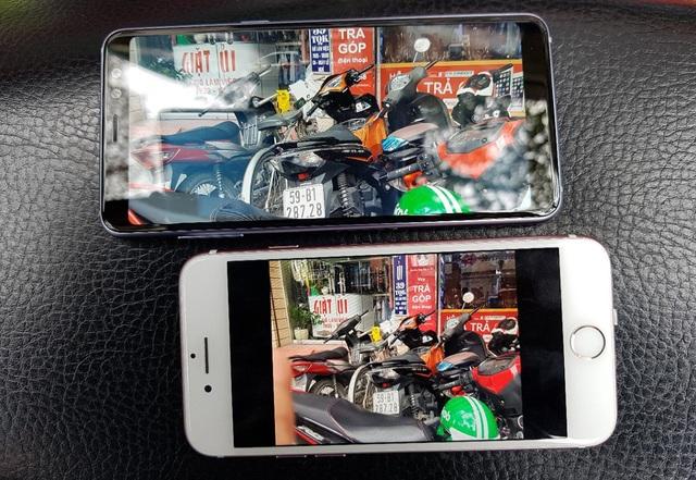 Thử nghiệm ngoài trời với iPhone 8, Galaxy A8 cho khả năng hiển thị tốt và khá sáng