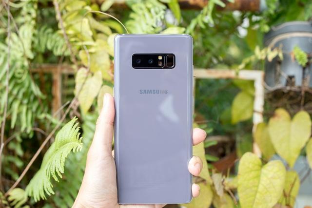 Những smartphone nổi bật bán ra thị trường trong quý I/2018 - 1