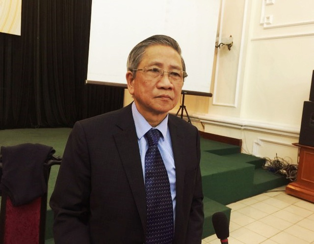 GS. Nguyễn Minh Thuyết, Tổng chủ biên chương trình GDPT mới cho hay, vào tháng 4/2018 Bộ GD&ĐT có thể chính thức ban hành chương trình môn học mới.