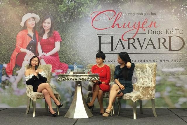 Lã Hồ Minh Khuê (ngoài cùng bên trái) - nữ sinh Việt tại ĐH Harvard phản bác truyện cổ tích và tư tưởng thụ động, trông chờ sự giúp đỡ từ người khác mỗi khi gặp khó khăn.
