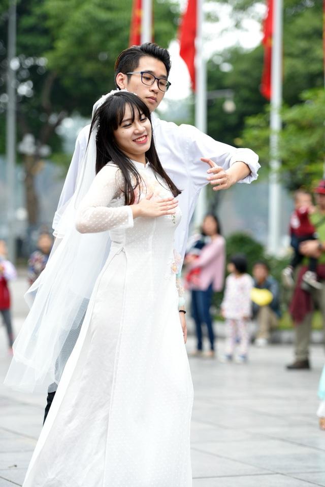 Để có màn trình diễn bắt mắt, các thành viên trong CLB Dance của Đại học Ngoại thương đã luyện tập rất công phu