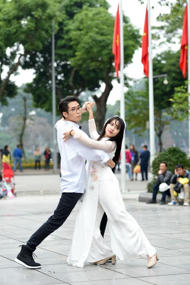 Sinh viên Ngoại thương nhảy quyến rũ kể chuyện tình yêu - 10