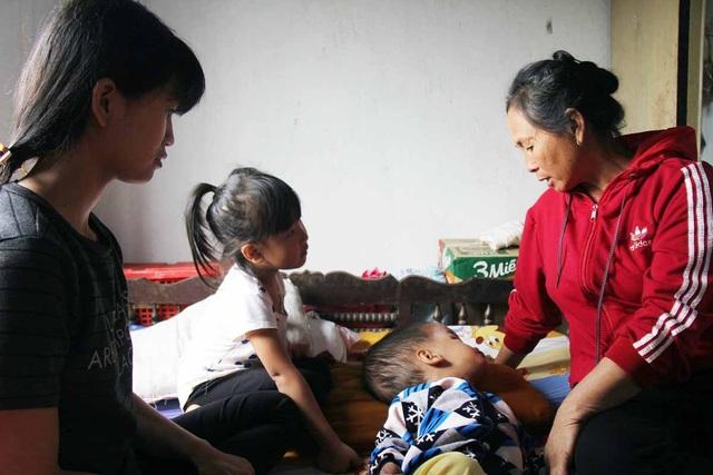 Gia đình đã cố gắng chạy chữa nhưng do số tiền quá lớn, đành phải xin bệnh viện về nhà chờ chết