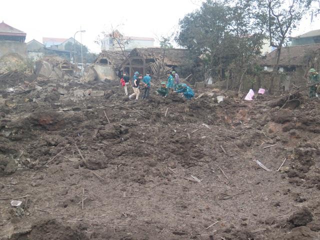 Cả một khu vực tan hoang sau vụ nổ.