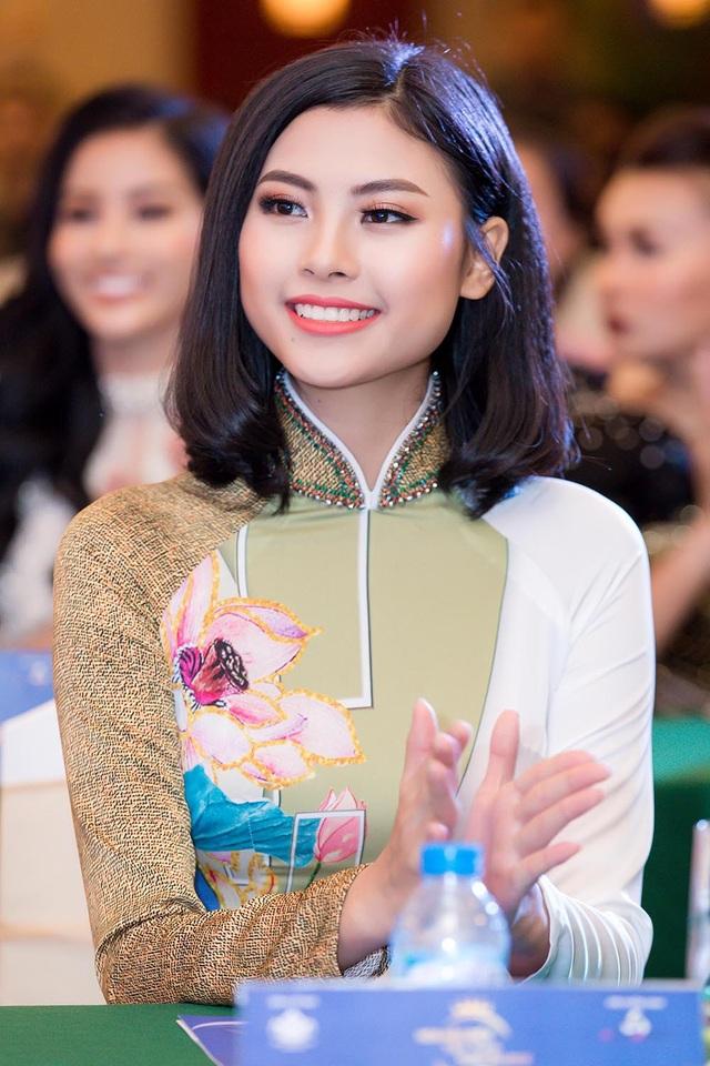 Hoa khôi Cao Thái Hà