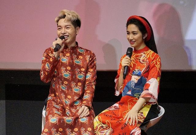 """Trong buổi gặp gỡ cùng truyền thông khi ra mắt sản phẩm nhạc tết cùng Đức Phúc, Hòa Minzy và người bạn thân thiết đã có những màn """"kể xấu"""" nhau khiến khán giả cười không ngớt."""