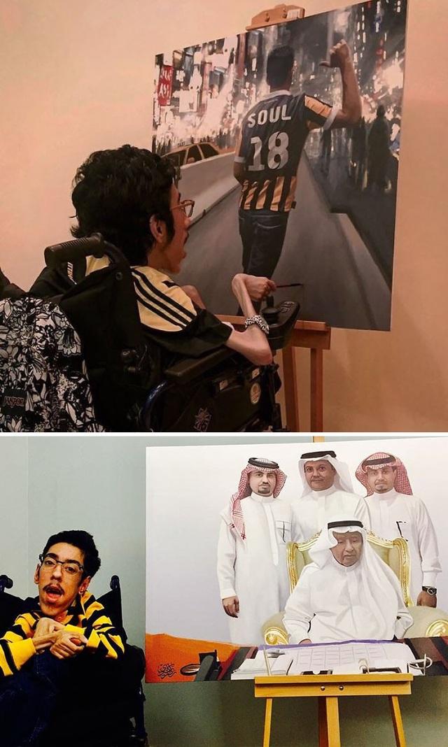 Rakan Abdulaziz Kurdi là một họa sĩ khuyết tật cực kì nổi tiếng của Ả Rập Xê Út. Những tác phẩm được thực hiện từ xe lăn của chàng họa sĩ này gây ấn với người xem bởi sự chân thực không khác gì bức ảnh chụp của chúng.