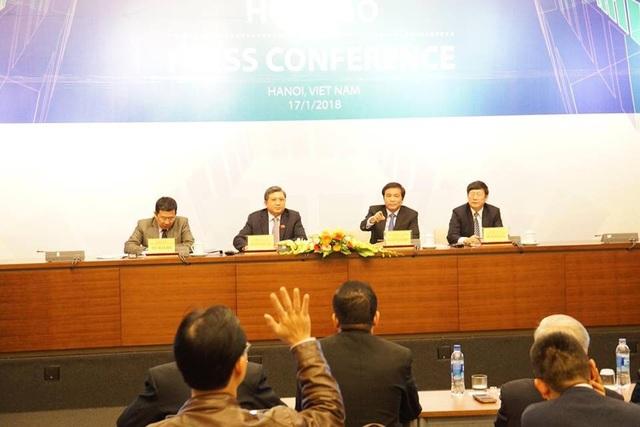 Tổng thư ký Quốc hội Nguyễn Hạnh Phúc, Chủ nhiệm UB Đối ngoại Nguyễn Văn Giàu và lãnh đạo các cơ quan của Quốc hội chủ trì họp báo